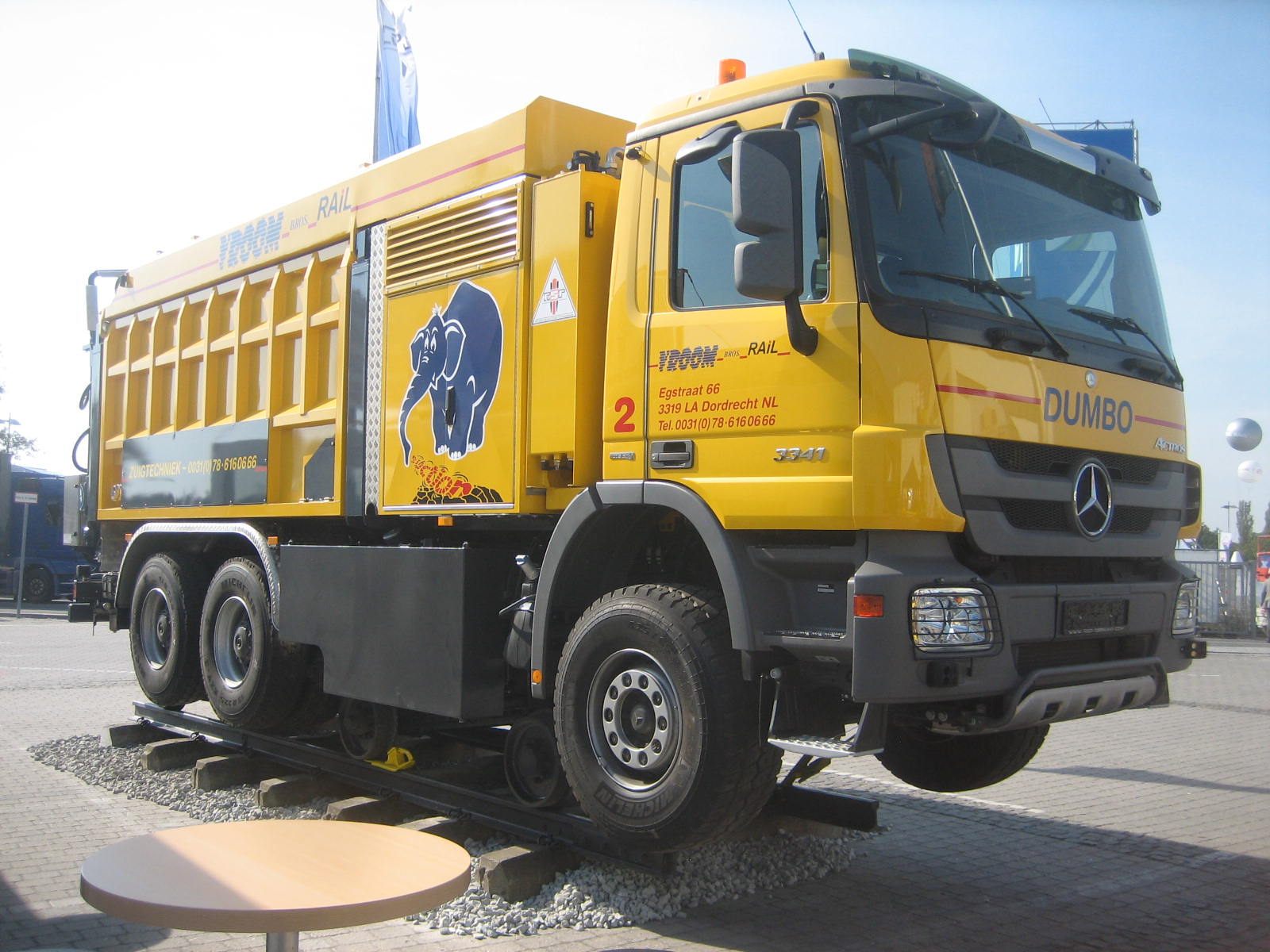 RSP-Staubsauger#bb100924 Innotrans 072 MB  Actros 3341.jpg